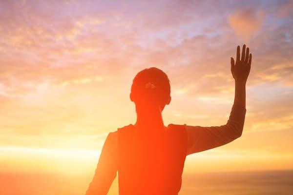 El pueblo de Dios sigue al Cordero por dondequiera que va